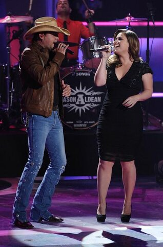 AMERICAN IDOL: Jason Aldean and Kelly Clarkson